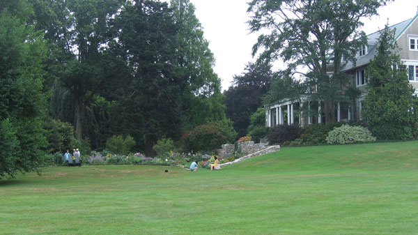 This is the botanical garden page of my a to z guide to plants how to care for them for Blithewold mansion gardens arboretum